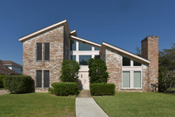 Photo of 2914 Country Club Drive, Pearland, TX 77581 (MLS # 97739078)