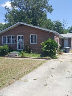 Photo of 546 Greenbriar, Hampton, VA 23661 (MLS # 10140123)