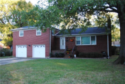 Photo of 16 Charlton Drive, Hampton, VA 23666 (MLS # 10166334)