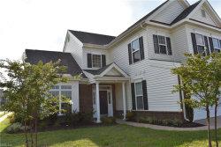 Photo of 526 Linton Circle, Unit 259, Chesapeake, VA 23322 (MLS # 10172304)