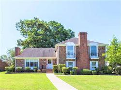 Photo of 2 Collinwood Circle, Hampton, VA 23666 (MLS # 10275737)