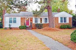 Photo of 9 Saint Albans Drive, Hampton, VA 23669 (MLS # 10289846)