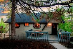 Photo of 593 Chipmunk Lane, Big Bear Lake, CA 92315 (MLS # 32001914)