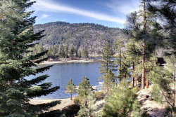Photo of 587 Cove Drive, Big Bear Lake, CA 92315 (MLS # 3180073)
