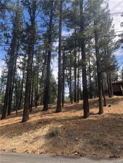 Photo of 133 West Rainbow Boulevard, Big Bear City, CA 92314 (MLS # 3186248)
