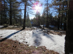 Photo of 39747 Lakeview Drive, Big Bear Lake, CA 92315 (MLS # 31902388)