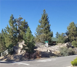 Photo of 377 Stony Creek Road, Big Bear Lake, CA 92315 (MLS # 31903691)