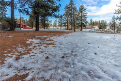 Photo of 725 Pine Knot Boulevard, Big Bear Lake, CA 92315 (MLS # 32000148)