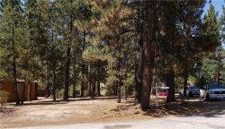Photo of Blue Jay Blue Jay Road, Big Bear Lake, CA 92315 (MLS # 32002780)