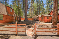 Photo of 42651 La Placida Avenue, Big Bear Lake, CA 92315 (MLS # 31906395)