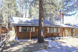 Photo of 933 East Fairway Boulevard, Big Bear City, CA 92314 (MLS # 3173804)
