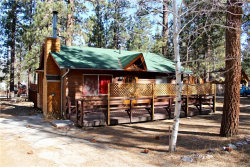 Photo of 527 West Rainbow Boulevard, Big Bear City, CA 92314 (MLS # 3180147)