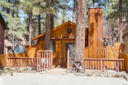 Photo of 913 East Barker Boulevard, Big Bear City, CA 92314 (MLS # 3183649)