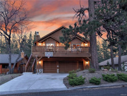 Photo of 930 Waldstrausse Way, Big Bear Lake, CA 92315 (MLS # 3183702)