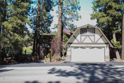 Photo of 1011 Club View Drive, Big Bear Lake, CA 92315 (MLS # 3183771)