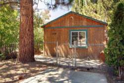 Photo of 929 West Country Club Boulevard, Big Bear City, CA 92314 (MLS # 3185131)