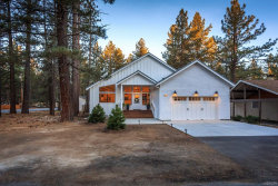 Photo of 374 Mountainaire Street, Big Bear Lake, CA 92315 (MLS # 3185166)