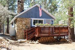 Photo of 860 Pine Lane, Sugarloaf, CA 92386 (MLS # 3187894)