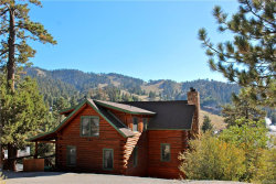Photo of 1233 Siskiyou Drive, Big Bear Lake, CA 92315 (MLS # 3188996)