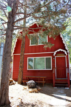 Photo of 426 Imperial Avenue, Sugarloaf, CA 92386 (MLS # 3189113)