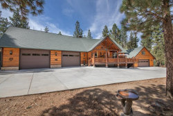 Photo of 997 Eagles Nest Court, Big Bear City, CA 92314 (MLS # 3189160)