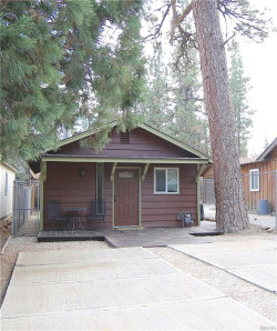 Photo of 808 Angeles Boulevard, Big Bear City, CA 92314 (MLS # 31893239)