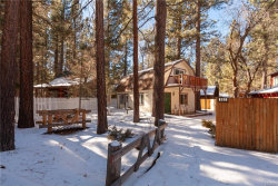 Photo of 880 Jaybird Lane, Big Bear Lake, CA 92315 (MLS # 31900005)