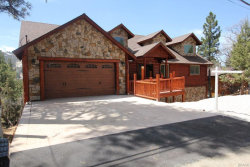 Photo of 43625 Wolf Road, Big Bear Lake, CA 92315 (MLS # 31900018)