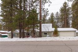 Photo of 908 Canyon Road, Fawnskin, CA 92333 (MLS # 31901246)