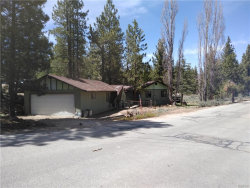 Photo of 414 Arroyo Drive, Big Bear Lake, CA 92315 (MLS # 31901273)