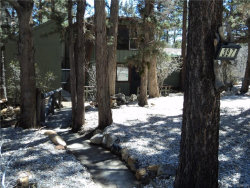 Photo of 397 Pine Lane, Sugarloaf, CA 92386 (MLS # 31903653)