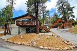 Photo of 707 Circle Lane, Big Bear Lake, CA 92315 (MLS # 31904960)