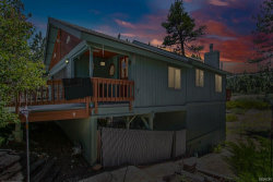 Photo of 40337 YORK Lane, Big Bear Lake, CA 92315 (MLS # 31905015)