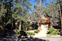 Photo of 421 Crystal Court, Big Bear Lake, CA 92315 (MLS # 31906360)