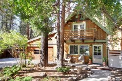 Photo of 43032 Sunset Drive, Big Bear Lake, CA 92315 (MLS # 31910240)