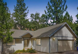Photo of 560 Arbula Dr Drive, Crestline, CA 92325 (MLS # 31910338)