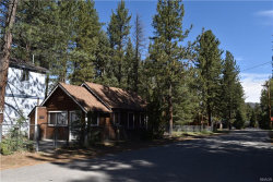 Photo of 872 Poplar Street, Big Bear Lake, CA 92315 (MLS # 32000162)