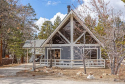 Photo of 1292 Luna Road, Big Bear Lake, CA 92315 (MLS # 32000537)
