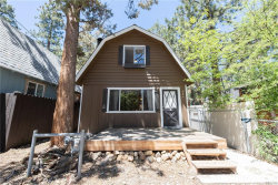 Photo of 254 Highland Lane, Sugarloaf, CA 92386 (MLS # 32001884)