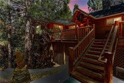 Photo of 42779 Castlewood Road, Big Bear Lake, CA 92315 (MLS # 32002085)