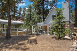 Photo of 42574 Willow Avenue, Big Bear Lake, CA 92315 (MLS # 32002100)