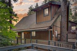 Photo of 28364 Altamont Court, Lake Arrowhead, CA 92352 (MLS # 32002634)