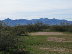 Photo of 23835 Aprx W Jomax Road, Lot -, Wittmann, AZ 85361 (MLS # 5881336)