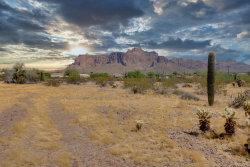Photo of 4300 E Superstition Boulevard, Lot -, Apache Junction, AZ 85119 (MLS # 6145978)