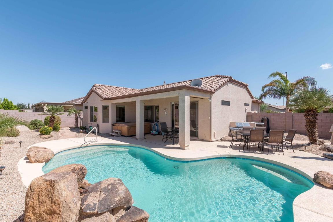 Photo for 3078 E Hazeltine Way, Chandler, AZ 85249 (MLS # 5485538)