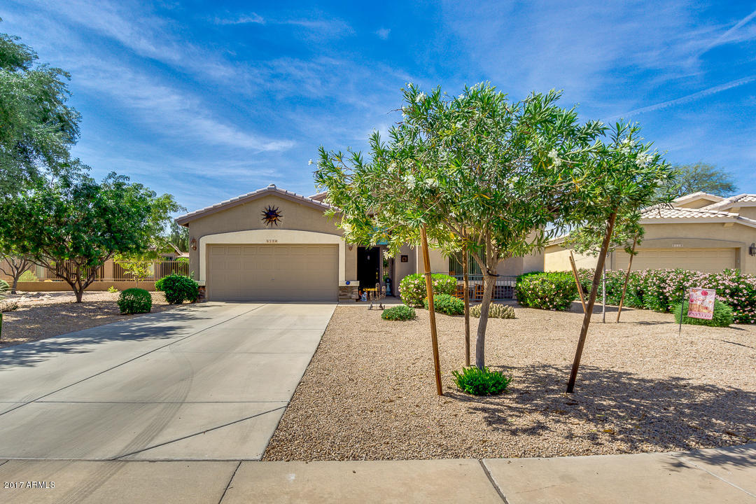Photo for 5126 S Sugarberry Court, Gilbert, AZ 85298 (MLS # 5579653)