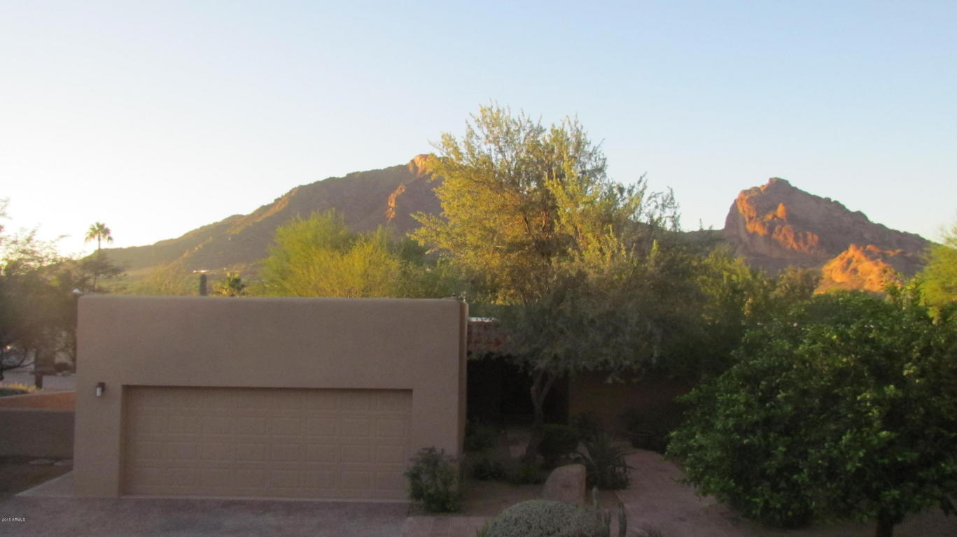 Photo for 5434 E Lincoln Drive, Unit 23, Paradise Valley, AZ 85253 (MLS # 5709184)