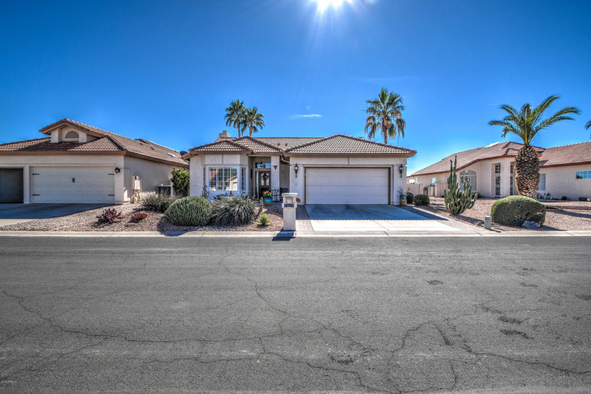 Photo for 10605 E Navajo Place, Sun Lakes, AZ 85248 (MLS # 5718045)
