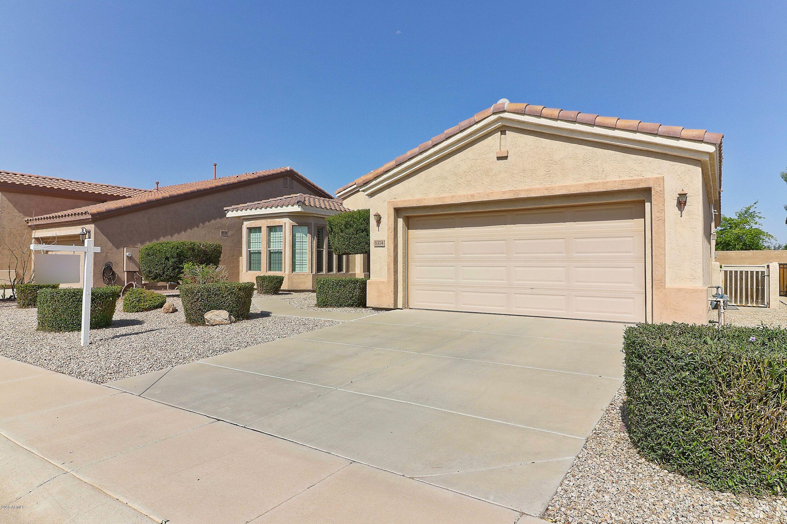 Photo for 5374 S Marigold Way, Gilbert, AZ 85298 (MLS # 5729786)