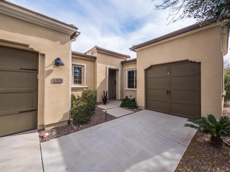 Photo for 1326 E Sweet Citrus Drive, San Tan Valley, AZ 85140 (MLS # 5738780)